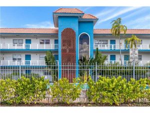 1140 NE 9th Ave #1. Fort Lauderdale, Florida - Hometaurus