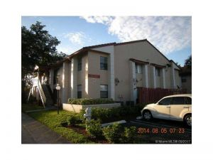 3227 Coral Ridge Dr #3227. Coral Springs, Florida - Hometaurus