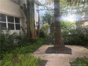 1340 Drexel #304. Miami Beach, Florida - Hometaurus
