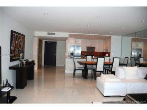 2301 Collins Ave #1210. Miami Beach, Florida - Hometaurus