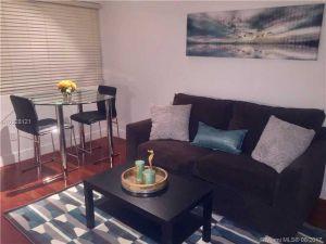 1340 Drexel Ave #306. Miami Beach, Florida - Hometaurus