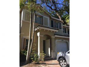 5786 113 Ave.. Doral, Florida - Hometaurus