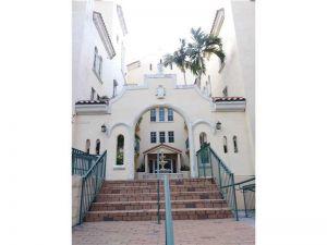 323 Navarre Ave #206. Coral Gables, Florida - Hometaurus