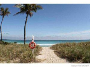 10275 Collins Ave #1534. Bal Harbour, Florida - Hometaurus