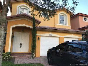 8410 NW 114th Path. Doral, Florida - Hometaurus