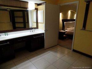 3400 NE 192nd St #406. Aventura, Florida - Hometaurus