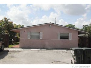 3960 SW 51st St #3. Fort Lauderdale, Florida - Hometaurus