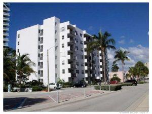 3000 Riomar St #707. Fort Lauderdale, Florida - Hometaurus