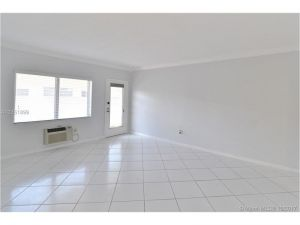 7640 Carlyle Av #8b. Miami Beach, Florida - Hometaurus