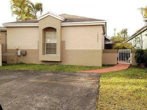 14955 SW 75 Te. Miami, Florida - Hometaurus