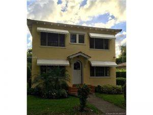 3712 Anderson Rd #4. Coral Gables, Florida - Hometaurus