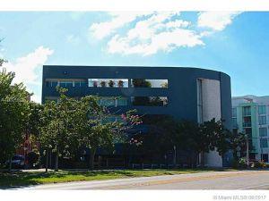 2694 Inagua Av #303. Coconut Grove, Florida - Hometaurus