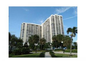 2500 Parkview Dr #1911. Hallandale, Florida - Hometaurus