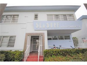 8315 Byron Av #7a. Miami Beach, Florida - Hometaurus