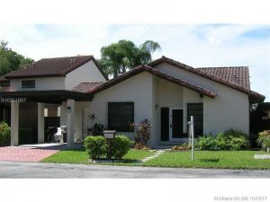 8963 SW 112 Pl. Miami, Florida - Hometaurus