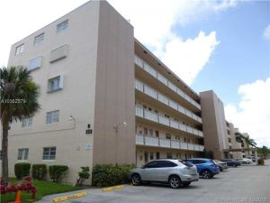233 NE 14th Ave #201. Hallandale, Florida - Hometaurus