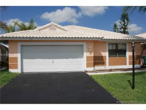 15019 Brighton Ln. Davie, Florida - Hometaurus