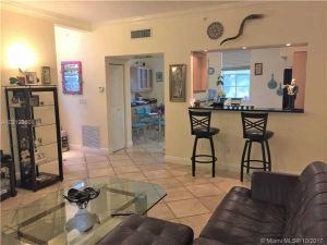 2069 S Ocean Drive #Th7. Hallandale, Florida - Hometaurus