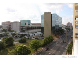2351 Douglas Rd #704. Miami, Florida - Hometaurus