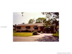 11545 SW 109 Av. Miami, Florida - Hometaurus