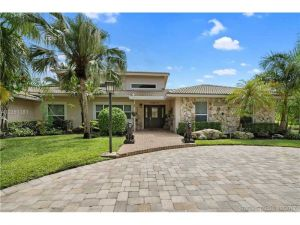 9341 NW 44th Pl. Coral Springs, Florida - Hometaurus