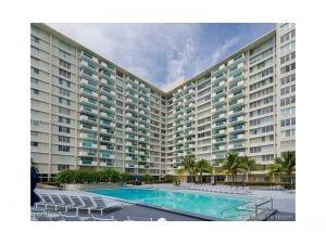 1200 West Ave #420. Miami Beach, Florida - Hometaurus