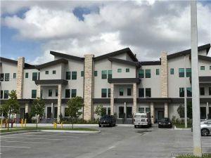 10473 NW 82 St #10. Doral, Florida - Hometaurus