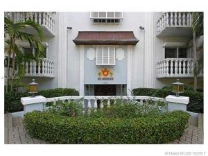 1150 Madruga #303. Coral Gables, Florida - Hometaurus