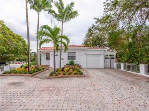 1015 NW 17th Ct. Miami, Florida - Hometaurus