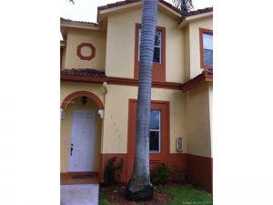 5590 NW 107th Ave #1111. Doral, Florida - Hometaurus